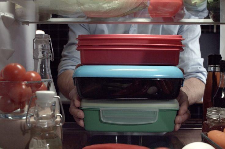 Gör både kroppen och plånboken glad genom att ta med matlådor till lunch! Kostexperten bjuder på sina bästa tips till dig som vill fixa nyttiga måltider på ett kick.