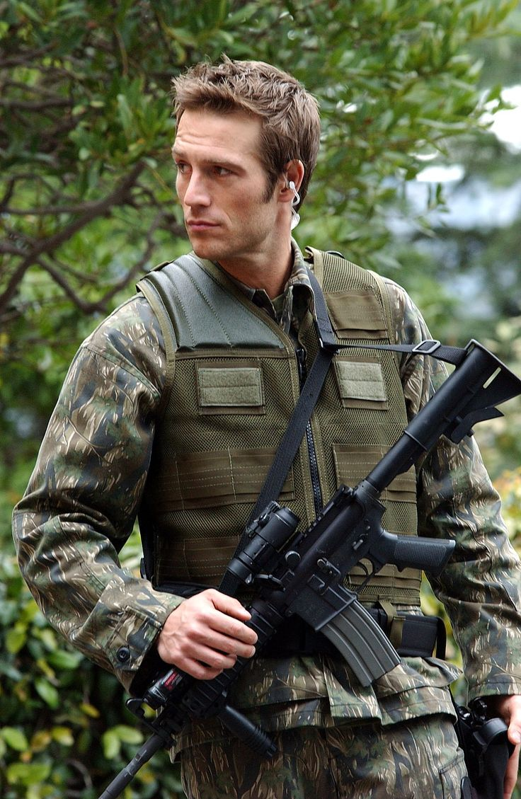 Vaughn from Alias - Michael Vartan as Boy Scout... ALIAS is my ALL time favorite!