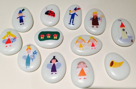 Story stones are ideal for fostering creativity and language development. No story will ever be the same! Ben and Holly Ben and Holly's little kingdom  Gift ideas etsy