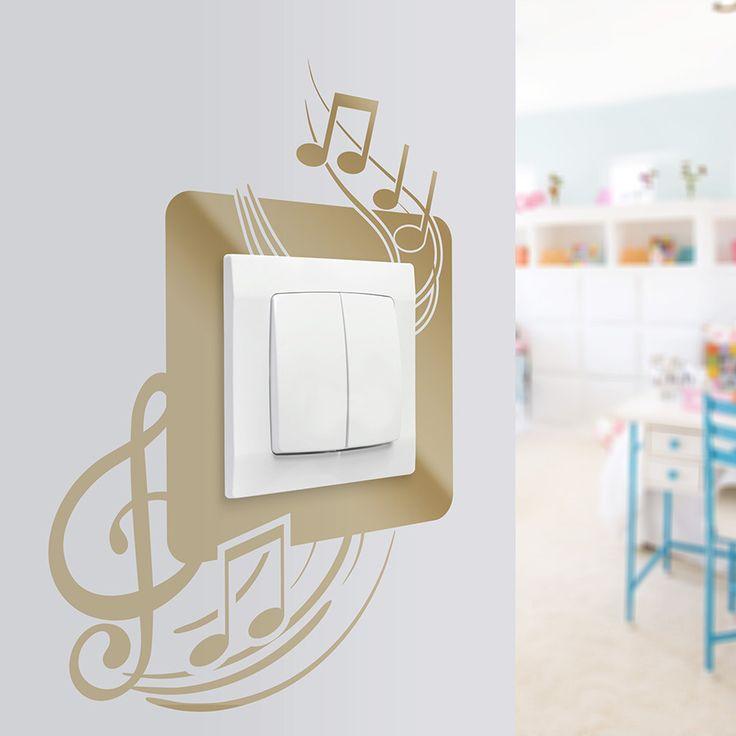 Naklejka na ścianę z motywem muzycznym. Ciekawa forma dekoracji i zabezpieczenia ściany przed pobrudzeniami.