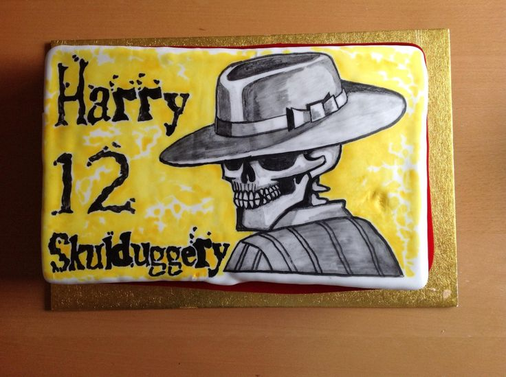 Skullduggery Pleasant hand painted cake ( again used asda photo cake as nice even surface to paint on )