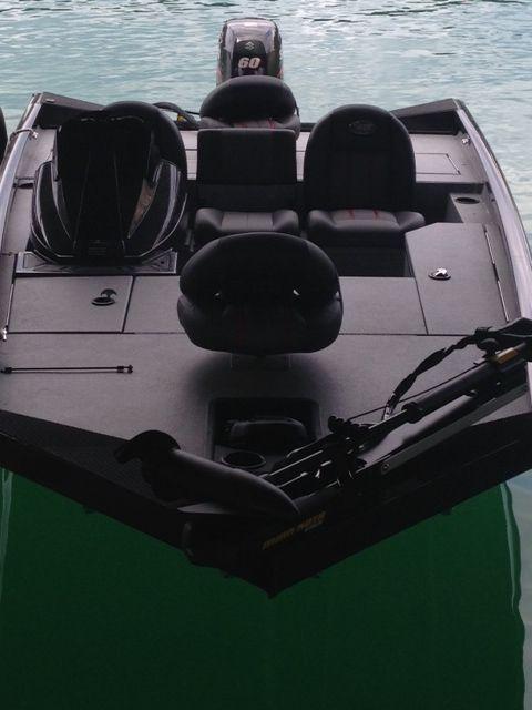 Ranger no carpet aluminum bass boat