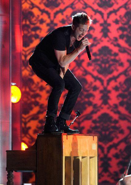 Ryan Tedder of OneRepublic - best voice evurrr.