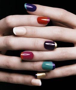 La manicura francesa es una de las técnicas de belleza más empleadas para arreglar las mano, es elegante, femenina y siempre queda bonita en cualquier largo de uñas.
