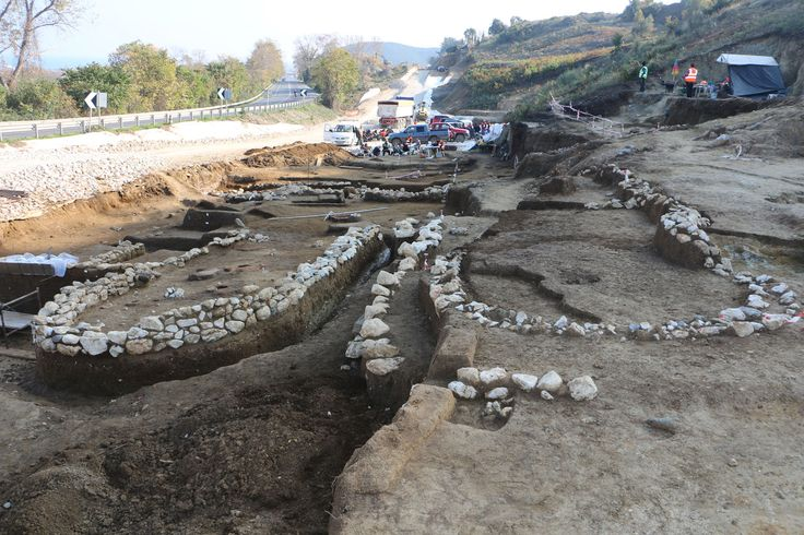 Remains of apsidal buildings (the only known from the area, and probably the latest example from the #Mycenaean Period) at Rema Xydias, Platamonas. #archaeology, #architecture