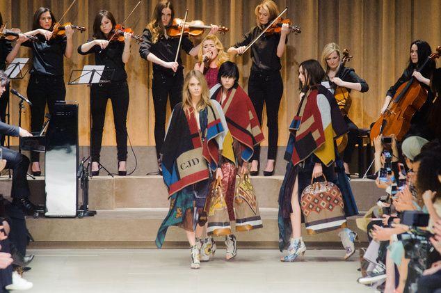 London FW FW 2014/15 – Burberry Prorsum. See all fashion show on: http://www.bmmag.it/sfilate/london-fw-fw-201415-burberry-prorsum-2/ #fall #winter #FW #catwalk #fashionshow #womansfashion #woman #fashion #style #look #collection #LondonFW #burberryprorsum @Burberry