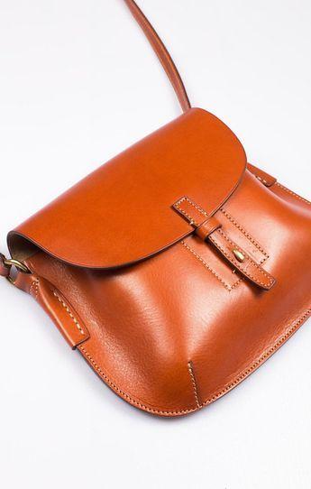 Small Shoulder Bag Tan