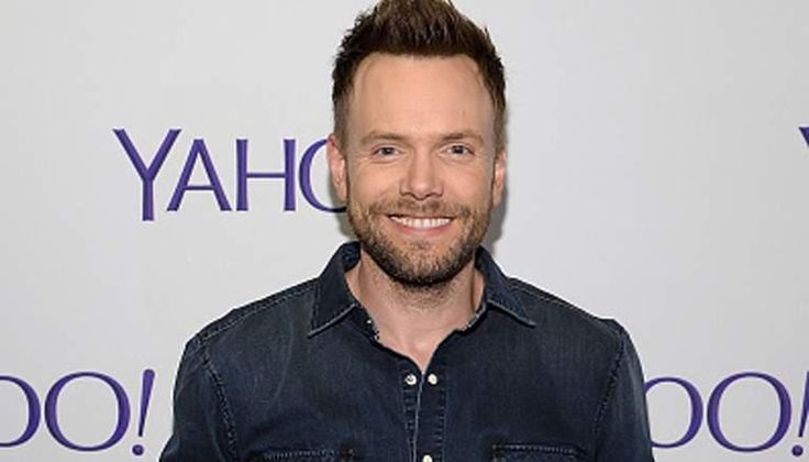 Joel McHale Joins The X-Files Revival as Guest Star