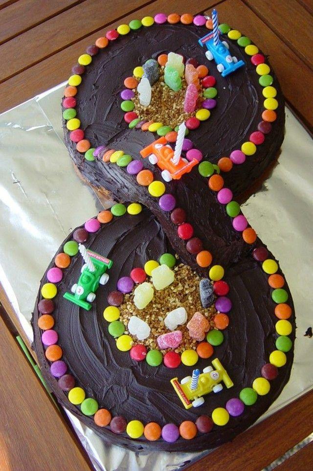 Pista De Caramelos Con Autos Tortas Pinterest Trucos