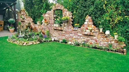 brick upcycling / garden brick wall   Quelle: https://www.facebook.com/ZeigstDuMirDeinsZeigIchDirMeins/