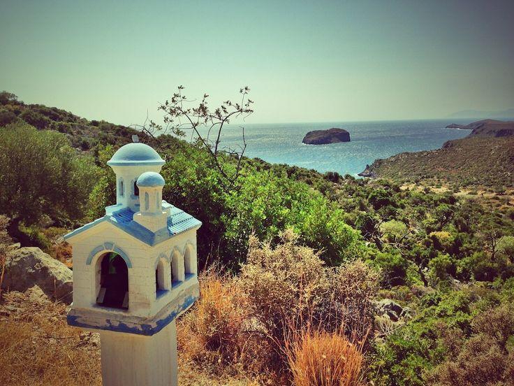 The Miniature Roadside Chapels of Greece