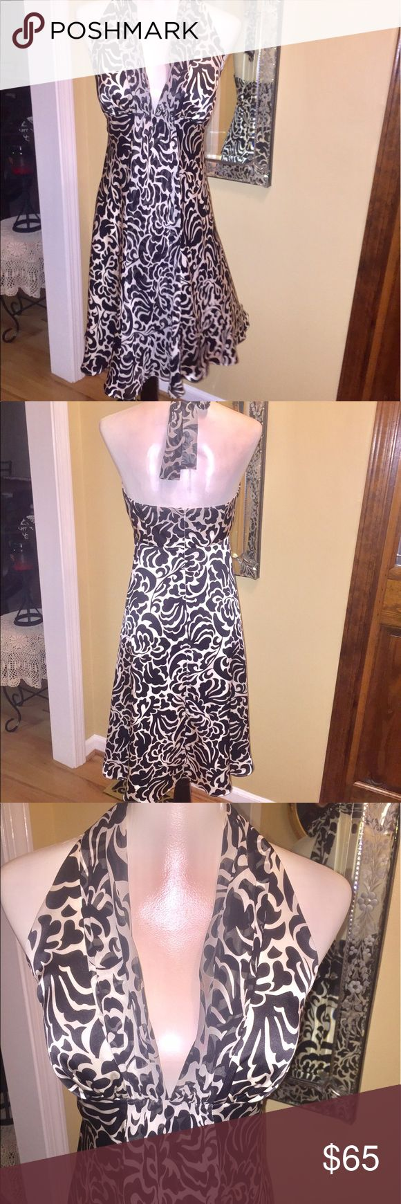 ❤️GORGEOUS White House Black Market halter dress ❤️❣️❤️GORGEOUS White House Black Market halter dress - like new excellent condition outer shear and flowy. Dry cleaned and ready to wear!!😊❤️. LOVELY IN EVERY WAY!! White House Black Market Dresses
