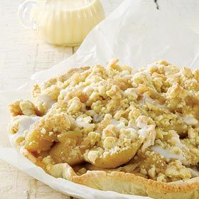 Old-fashioned apple crumble with custard