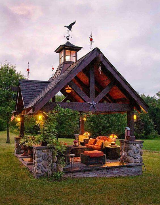 Outdoor living room! Yes please!