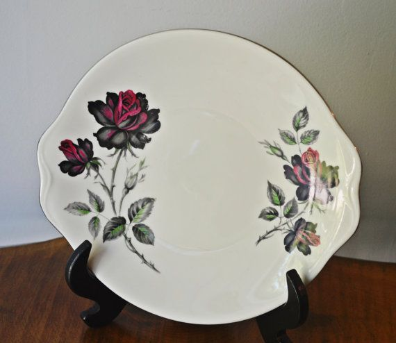 Royal Albert Masquerade Plate Smooth Shape Rose Plate