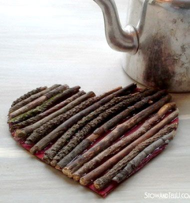 Valntine's day twig heart trivet / Szívecskés Valentin napi tényéralátét faágakból / Mindy