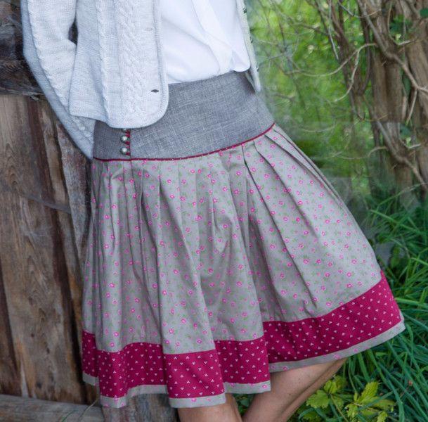 Faltenröcke - Nähservice für bay. Trachtenrock für Frauen - ein Designerstück von wallnerhilde bei DaWanda