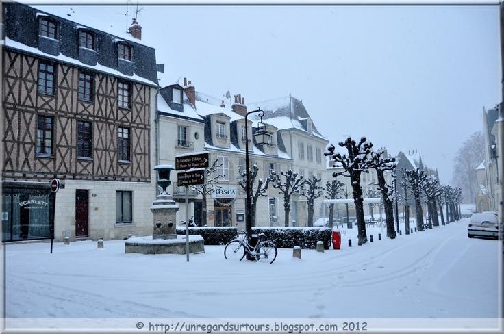 Février 2012 : Tours sous la neige, Indre et Loire [FRANCE]    Blog : http://unregardsurtours.blogspot.com/