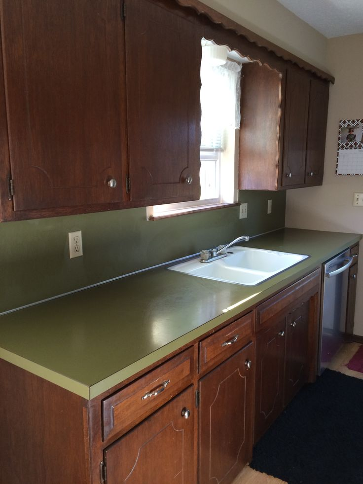 Original avocado green laminate countertop kitchen ideas for Avocado kitchen cabinets