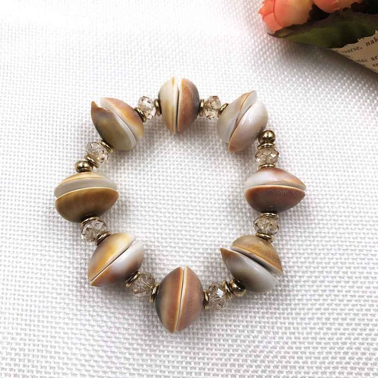 UneJoux Fashion Bracelet With Seashell & Swarovski Crystal FBL-11