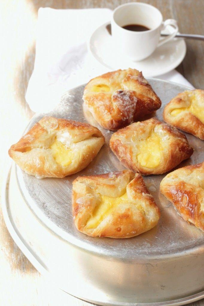Lemon and lime pastries/ Sfogliatine alla crema con glassa al lime e limone-Paul Hollywood