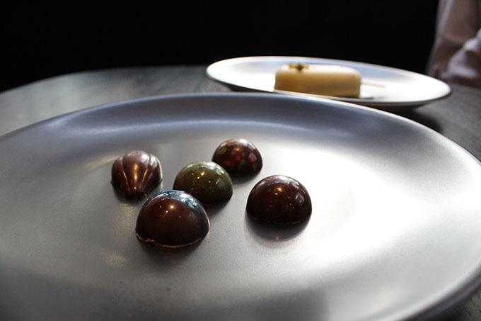 Chocolates: Salted Caramel / Earl Grey / Matcha Green Tea / Salted Caramel / Raspberry & Sumac