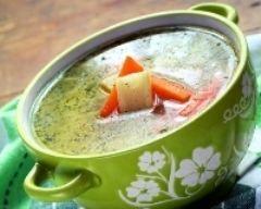Bouillon de légumes maison (facile, rapide) - Une recette CuisineAZ