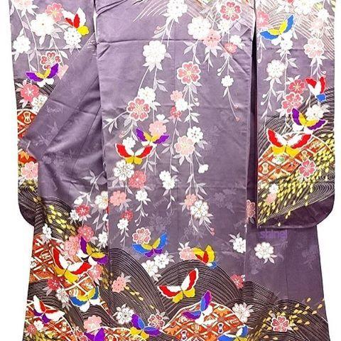 【kimonoshinei】さんのInstagramをピンしています。 《👘#KANSAI 金彩#荒波 に#蝶 ・#枝垂れ桜 模様#花嫁衣装 #掛下 (比翼付き)(商品番号:2602355) 現代モノの掛下です🎵紫色ってあまり見ないですね👀✨それではおやすみなさいませ!☆#シンエイ #着物 #きもの #桜 #和 #和風 #レトロ #和服 #リサイクル #リサイクル着物  #cute #pretty #shinei #kimono #butterfly #cherryblossom #japanesekimono #wa #recycle #japan #furisode #beautiful #花嫁 #結婚式》