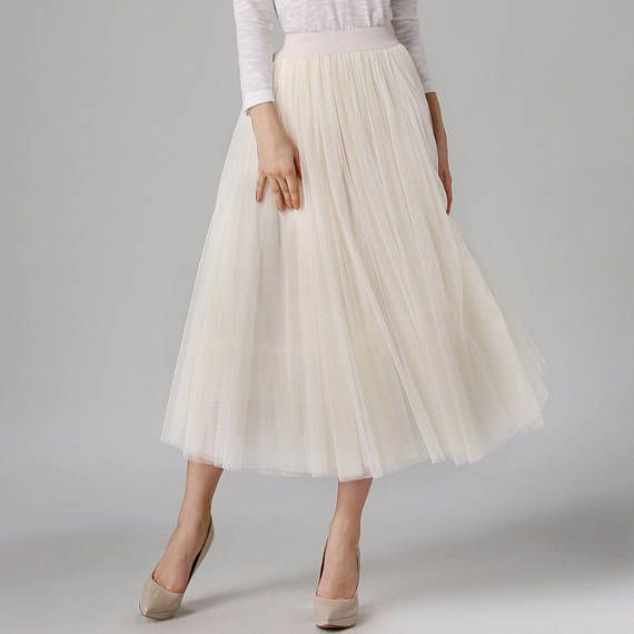 Faldas Retro Style Swing Maxi Skirt High Waist Long Tulle Skirt 3 layers tulle and 1 layer lining Material: Spandex, Mesh, Polyester Silhouette: Ball 3 layers tulle and 1 layer lining