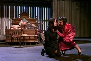 Deutsches Schauspielhaus's Hamlet starring Angela Winkler, Eva Mattes and Hermann Lause, at the Edinburgh festival in 2000. Photograph: Murdo MacLeod for the Guardian