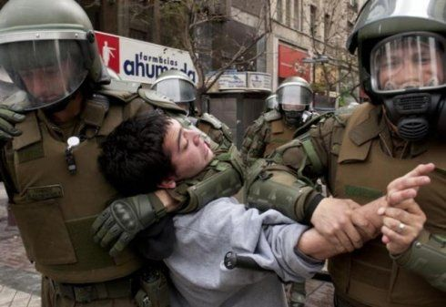 Informe DDHH: Carabineros y PDI ejercen tortura en Chile