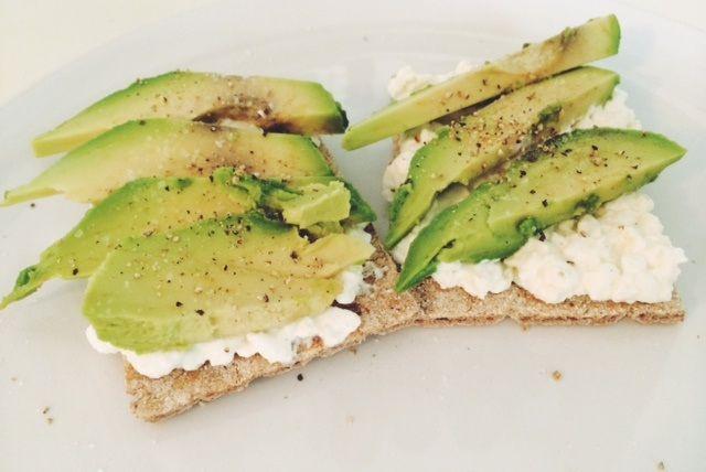 Ich liebe Frühstück wie ihr wisst. Und ich liebe Abwechslung bei meinen Frühstücksvariationen. Ich freue mich immer wieder wenn ich über einfache, schnelle (viel Zeit hab ich in der Früh ja eigentl...