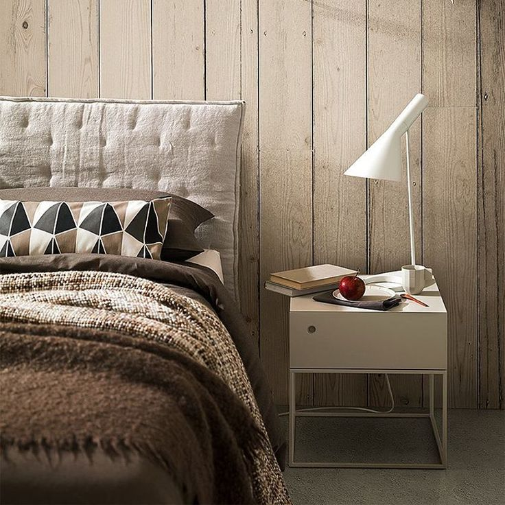 "En Instagram: ""Good night! Bona nit! Buenas noches!""  #night #bed #bedroom #madera #fusta #furnituredesign"