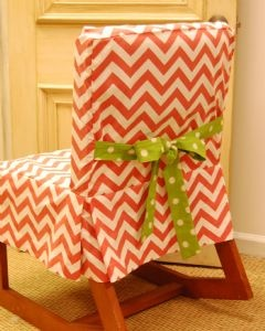 . Dorm chair cover, I must make this!! Would be cute to coordinate this fabric with the fabric of one of my pillows.