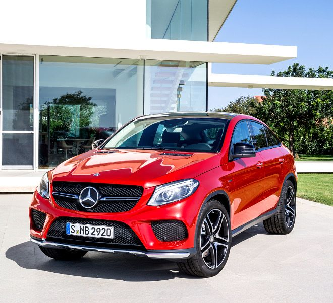 As the first AMG sports model, the V6 top-of-the-range GLE Coupé enables an attractive entry to the world of the sports car and performance brand.