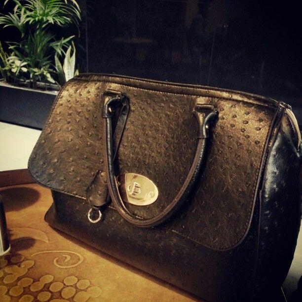 Weekend coffee bag #melbournestyle #womensbags #style #blackbag #tothenines
