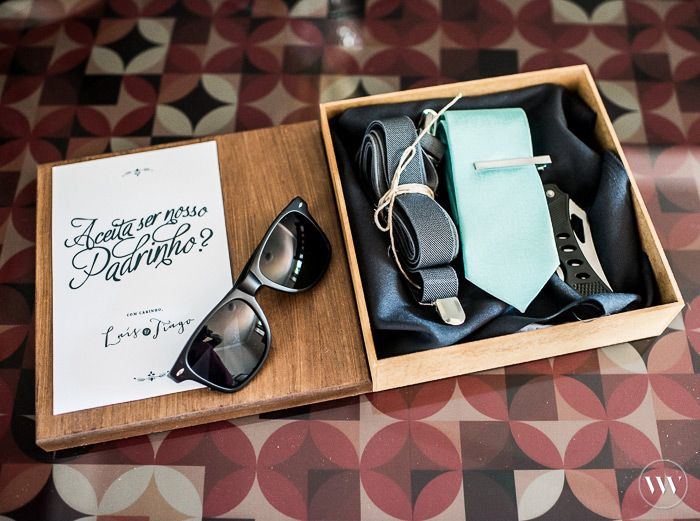 Convite para padrinhos | Best men invitation box + sunglasses, suspender, necktie
