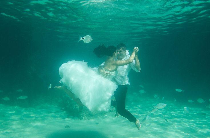 fotografía acuática pos boda en Ibiza (Baleares) - destination wedding