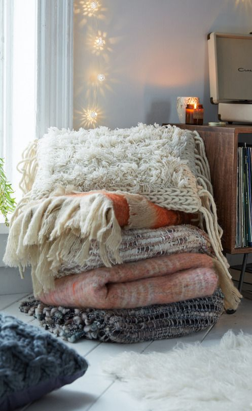 Comfy blankets and pillows