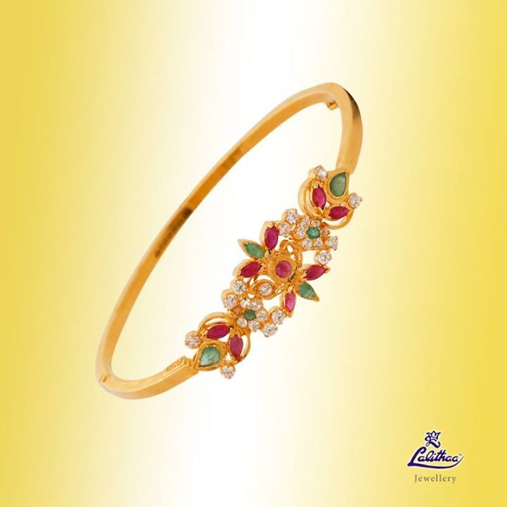 This stylish bracelet will complement all your looks. So get a modern flair with this fascinating bracelet from ‪#‎lalithaajewellery‬