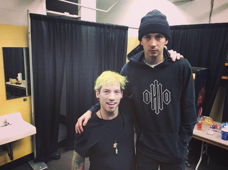 "@tylerrjoseph ""Josh is 5'4"" <---- this fucking tweet"
