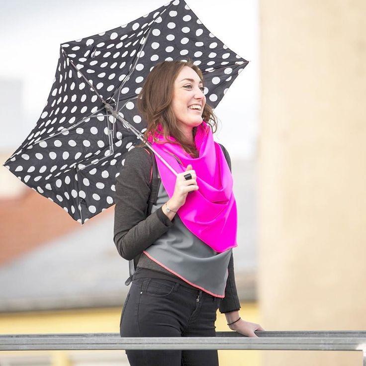 It's a rainy day hallelujah it's a rainy day Perfect for Neopren what do you think? #umbrella #regenschirm #outdoor #pink #neopren #rainyday #saturday #weekend #weekendmood #fashionblogger #fashion #vienna #scarf #blackandwhite #dots #überdenwolken #terrasse #rooftop #topmodel #funnyshooting #shooting #springtime @tsvetkovphotography @mati_girl