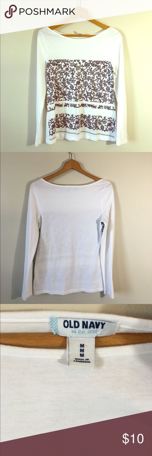 Old Navy Tee Size small! NWOT. Perfect for the fall weather. Same/next day shipping. All bundles 30% off. Old Navy Tops Tees - Long Sleeve