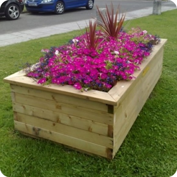 Big Planters – Make a big impression with flowers or vegetables