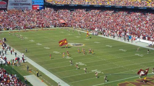 #tickets Washington Redskins vs Philadelphia Eagles 2 Club Level Tickets and parking please retweet