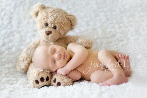 Neue Ideen für Neugeborene Fotografie: Neugeboren mit Teddybär