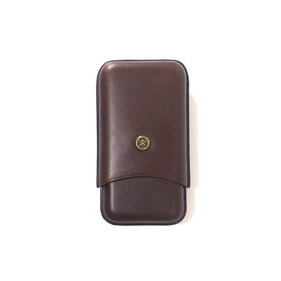 HACKETT  CIGAR CASE  185€  Keep your cigars in a stylish cigar case in genuine leather. This can be a perfect gift or for yourself. Find more accessories for men at detailsforhim.se #mensfashion #men #accessories #fashionformen #hunting #cigarr #case #leather