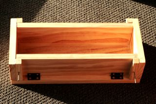 wooden drop-side mold. Free plans at Chestnut Farms..  http://www.chestnutfarms.com/Soap_and_supplies/info/mold_plan.html