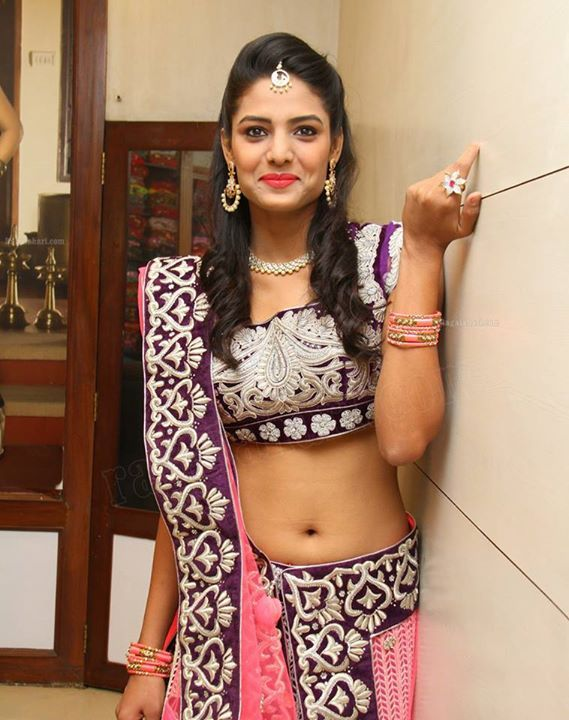 Indian Tv Serial Actress - Navel Show. | Indian Tv Serial ...
