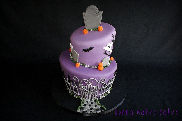 Omg cute!: Graveyards Cakes, Holidays Fondant Cakes, Citrus Cakes, Awesome Cakes, Parties Ideas, Halloween Food, Awesome Cooking, Halloween Cakes, Cooking Photo